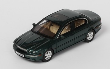 Ixo Models : JAGUAR X-TYPE – 2004   (1/43)