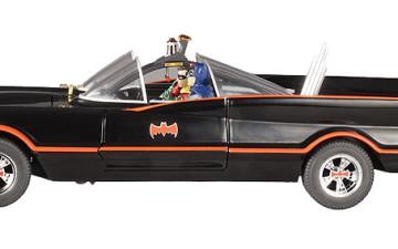 Nieuw : Batmanwagen met figuren Batman en Robin
