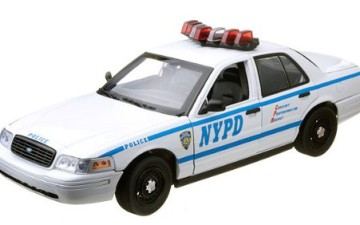 GREENLIGHT 12876 – FORD CROWN VICTORIA POLICE NYPD – 1/18