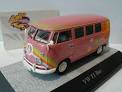 Premium ClassiXXs : VW T1 bus – Flower Power